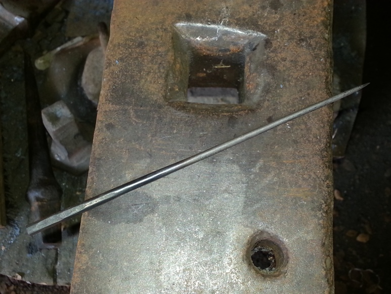 Here is the completed awl. I plan on using it for marking metal, like copper for instance, prior to cutting or drilling.
